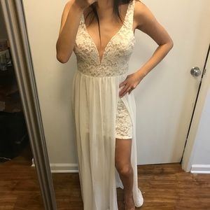 NWT lace maxi dress lulus xs/s